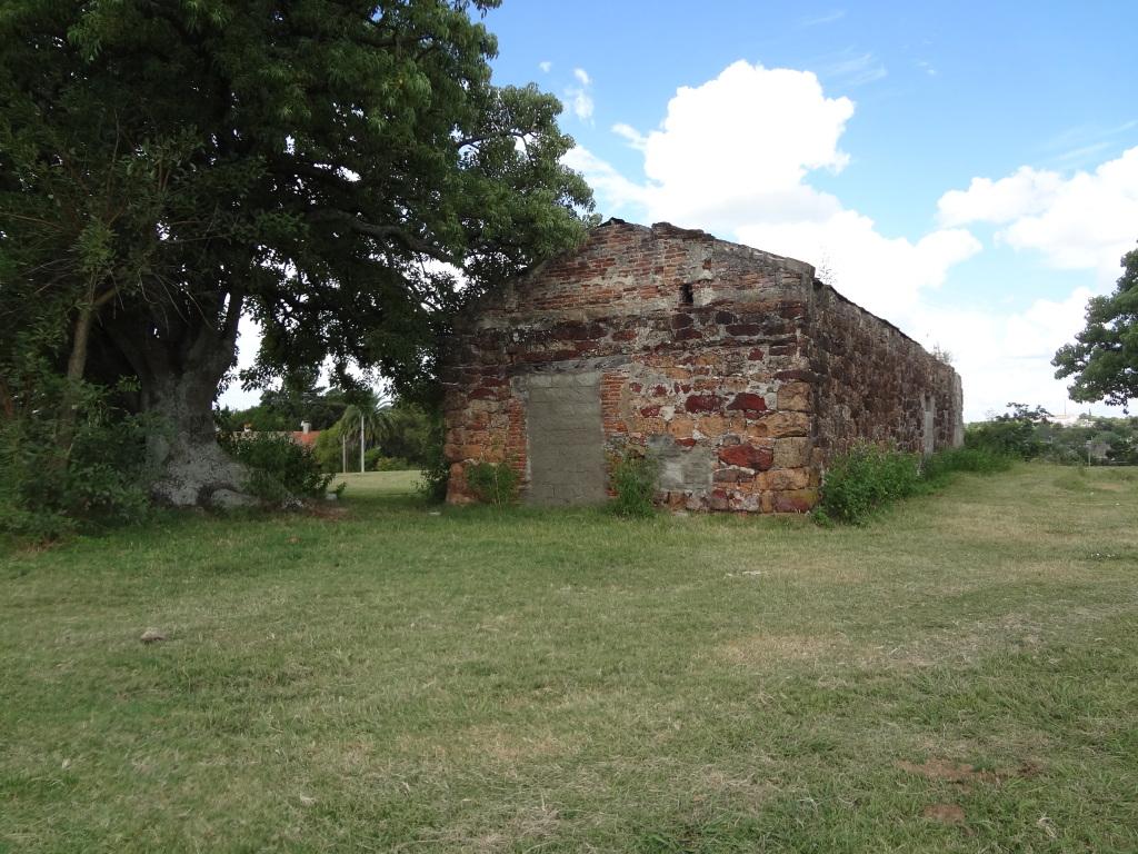 400 Jahre alte verfallene Bauwerke im Landesinneren von Uruguay