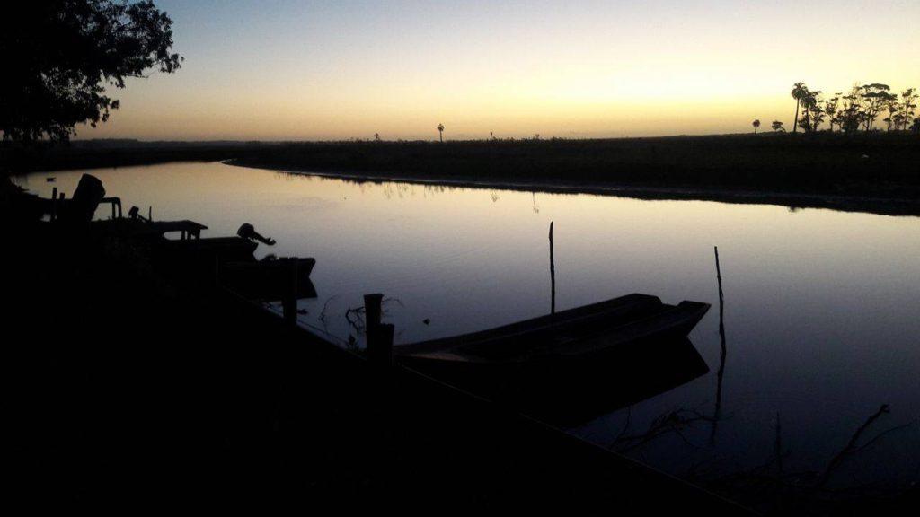 Sonnenuntergang in der Laguna de Rocha Uruguay